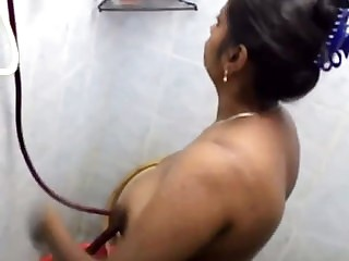Indian girl take shower full naked and Possibly manlike record hidden