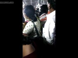 Chunky pain in the neck girl groped in Chennai crowded bus
